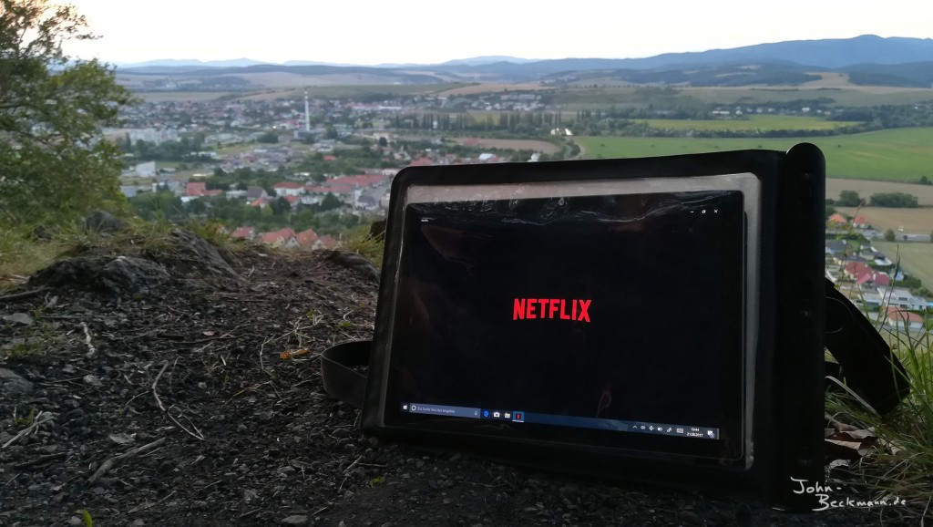 While the timelapse was running we watched sometimes also something on Netflix.